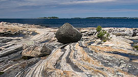 Glacial erratic boulder, Wreck Island, Georgian Bay. Photo by Sean Tamblyn.