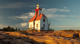Snug Harbour Lighthouse, Snug Harbour, Georgian Bay. Photo by Sean Tamblyn.